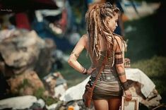 dreadlocks images, image search, & inspiration to browse every day. Short Afro Hairstyles, Dreadlock Hairstyles, Cool Hairstyles, Raves, Rasta Girl, Beautiful Dreadlocks, Mädchen In Bikinis, Dreads Girl, Festival Looks