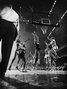 Old school college hoops, Madison Square Garden, (Gjon Mili—The LIFE Picture Collection/Getty Images) Basketball Pictures, Basketball Games, College Basketball, Gjon Mili, Nba, Madison Square Garden, Life Pictures, Ways Of Seeing, Sports Art