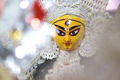 En güzel dekorasyon paylaşımları için Kadinika.com #kadinika #dekorasyon #decoration #woman #women The Making of Durga...... Durga Puja in Kolkata 2016