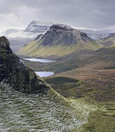 Quiraing, Skye, Scotland Winter Dusting : Transient Light