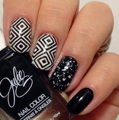 black and white monochrome geometric nails