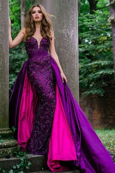 Jovani Purple Sweetheart Neck Embellished Couture Dress In Purple/fuchsia Couture Dresses Gowns, Jovani Dresses, Fashion Dresses, Prom Dresses, Purple Wedding Gown, Purple Gowns, Purple Dress, Lila Outfits, Purple Outfits