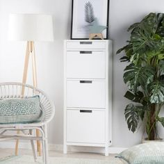 Orus zapatero colgante blanco White Wood, Filing Cabinet, Storage, Furniture, Home Decor, Apartments, Yurts, Drawer Pulls, Timber Frames