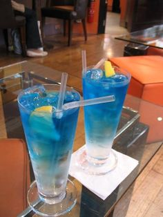 10 Delicious Blue Curacao Cocktails - I love Blue Curacao, bonus is that I have most of the ingredients in all the drinks at home :)