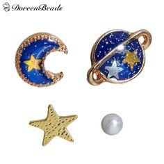 DoreenBeads 2016 Verano Azul Profundo de Cinco Puntos Estrella Luna Planeta Stud Pendientes Chapados En Oro de Moda Divertida 11x8mm-3mm 1 Unidades (5 Unidades)