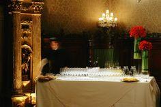 #inkeeper, #wine, #flower, #glass, #prosecco , #service, #wallpaper,  #matteocorvino, #scenografia Matteo Corvino Set Designer