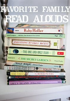 Top Family Read Aloud Books (Ages 5 to 12): A Book List of the Best Books for Reading Aloud as a Family