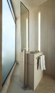 Classic Travertine Tumbled Vein Cut | Collections | Tumbled Modern example of an classic tumbled bath