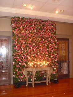 Wall of flowers...amazing! i wish this was accessible. I would love to have one for the shoot