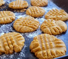 Don't over-bake because these peanutbutter cookies are best when still soft and just barely brown on the bottoms. | eatwell101.com