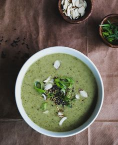 CREAMY BROCCOLI + RED zuppa di lenticchie