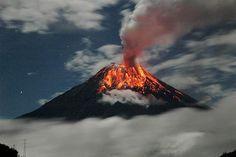 Il Tungurahua 2007 Equatore (© © KeystoneUSA-ZUMA/Rex caratteristiche)