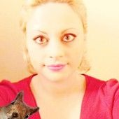 Sara's Squirrel.The portrait shows Sara Adeline Mazzolini in France 2015. Photo partagée par Share.Pho.to : http://pho.to/8vLtW