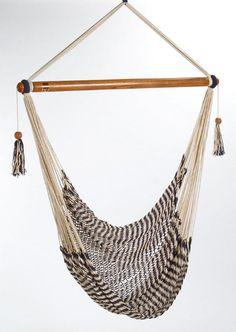 Ik heb dit gekozen omdat ik hem wel mooi vond de kleur vooral dus dat neem ik mee ~Gorgeous hammock chair handmade in Nicaragua by persons with disabilities.~