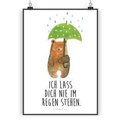 """Poster DIN A3 Bär mit Regenschirm aus Papier 160 Gramm  weiß - Das Original von Mr. & Mrs. Panda.  Jedes wunderschöne Poster aus dem Hause Mr. & Mrs. Panda ist mit Liebe handgezeichnet und entworfen. Wir liefern es sicher und schnell im Format DIN A3 zu dir nach Hause.    Über unser Motiv Bär mit Regenschirm  """"Ich lasse dich nie im Regen stehen"""" - das gilt für unsere Freunde, für unsere Familie und für unseren Partner. Und diesen besonderen Menschen kann man eigentlich nicht oft genug sagen…"""