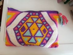 Clutches, Needlework, Tapestry, Crochet, Bags, Bed Covers, Backpacks, Embroidery, Hanging Tapestry