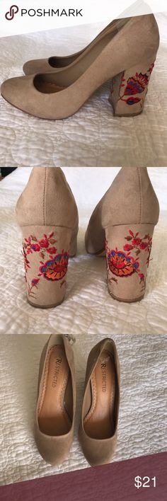 25d7910e37 RESTRICTED -beige embroidery heels 👠🔆✨🔆 RESTRICTED brand chunky heels  Tan with red