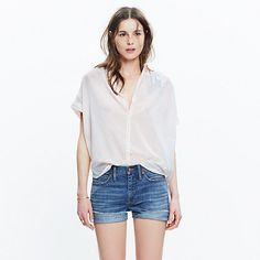 A feminine take on our favorite slightly oversized top, in a softer silhouette with easy open sleeves. Particularly cool in subtle yarn-dyed stripes.  <ul><li>Slightly oversized fit.</li><li>Cotton.</li><li>Machine wash.</li><li>Import.</li></ul>
