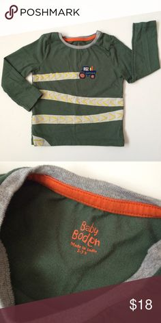 Mini Boden long sleeve tee Cute tee from Baby Boden! Snaps at collar for a perfect fit! EUC! Size 2-3 years. Fits like a 2T. Mini Boden Shirts & Tops