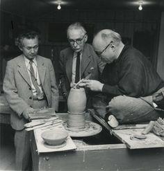 Shōji+Hamada   左より、柳、リーチ、濱田]