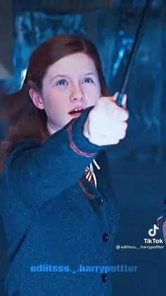 Harry Potter Gif, Harry Potter Ginny Weasley, Harry Potter Painting, Harry Potter Images, Harry Potter Characters, Fandoms, Ron Weasley, Harry Potter Actors, Harry Potter Movies