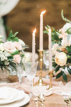 Romantic table decor: http://www.stylemepretty.com/2017/04/17/timeless-romance-inspiration-shoot/ Photography: Rhythm - http://www.rhythm-photography.com/