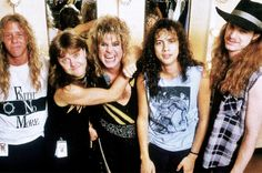 CLIFF BURTON - METALLICA Best Rock Bands, Cool Bands, Metallica Tour, Best Heavy Metal Bands, Cliff Burton, Band Pictures, Ozzy Osbourne, Thrash Metal, Rock Legends