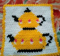 This Pin was discovered by Fun Crochet Rings, Picnic Quilt, Hand Applique, Crewel Embroidery, Filet Crochet, Baby Knitting, Quilt Patterns, Diy And Crafts, Kids Rugs