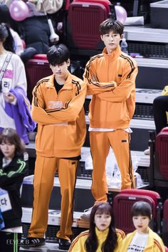 like father like son Chanwoo Ikon, Kim Hanbin, Korean Celebrities, Celebs, Yg Entertaiment, Ikon Kpop, Ikon Wallpaper, South Korean Boy Band, Boy Bands