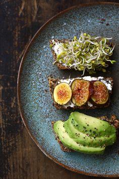 Dieses Brot kann Leben verändern - sagt zumindest die Erfinderin. Glutenfrei, vegan, aber vor allem wahnsinnig lecker. Nur aus Nüssen, Kernen und Samen.