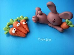 Rabbit and carrots with fimo polymer clay Polymer Clay Animals, Fimo Clay, Polymer Clay Projects, Polymer Clay Charms, Polymer Clay Creations, Polymer Clay Art, Clay Crafts, Fimo Kawaii, Fondant Animals