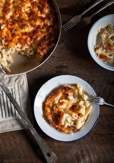 Pasta gratin with cheese - Recipe Yummy Pasta Recipes, Cooking Recipes, Healthy Recipes, Pizza Recipes, Homemade Macaroni Cheese, Cheesy Pasta Bake, Confort Food, Good Food, Yummy Food