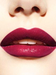 Pure Color Envy Shine Lipstick in Passionate