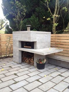 Now You Can Build ANY Shed In A Weekend Even If You've Zero Woodworking Experience! Start building amazing sheds the easier way with a collection of shed plans! Brick Shed, Parrilla Exterior, Four A Pizza, Pizza Oven Outdoor, Brick Oven Outdoor, Modern Outdoor Pizza Ovens, Modern Ovens, Build A Pizza Oven, Brick Oven Pizza