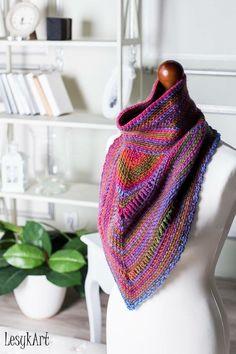 Crochet triangle shawl with a tube collar on top, made with Scheepjes. #LesykArt Трикутна шаль гачком з коміром-трубою (одягається через голову), зв'язана з голандської нитки Scheepjes. #ЛесикАрт Craft Ideas, Knitting, Crochet, Crafts, Art, Fashion, Long Scarf, Art Background, Moda