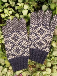 Finely Knitted Estonian Gloves in Kihnu style by NordicMittens, $116.00