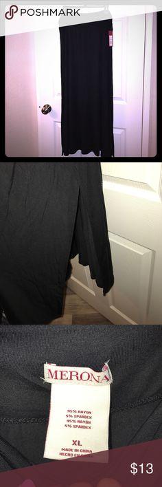 MWT Merona black maxi skirt w/side slits. Size XL Merona black maxi skirt w/ side slits. Size XL Merona Skirts Maxi