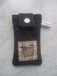 Suchen sie auch nach einer schöne Tasche für Ihr Smartphone/Handy? ...Oder als kleines Geschenk/Mitbringsel...    Gepolterte Handytasche aus   Jeansst