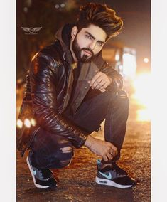Best Mens Fashion, Boy Fashion, Dj Movie, Beautiful Men Faces, Bridal Pictures, Photography Poses For Men, Boys Dpz, Stylish Boys, Sexy Jeans