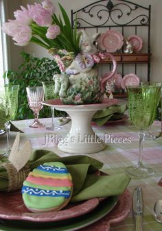 JBigg's Little Pieces: Hoppy Easter  http://jbiggslittlepieces.blogspot.com/2013/03/hoppy-easter.html