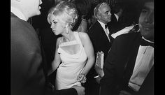 Garry Winogrand http://thewallbreakers.com/garry-winogrand-mid-century-street-photographers-stunning-photographs-of-americans/
