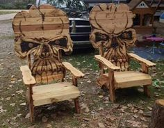 Skull chairrs LunaRip~ These are So Cool! Skull Furniture, Wood Furniture, Skull Decor, Skull Art, Pallet Chair, Skull And Bones, Cool Chairs, Decoration, Wood Crafts