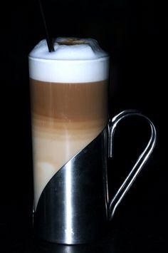 beautiful latte (reminds me of my childhood)