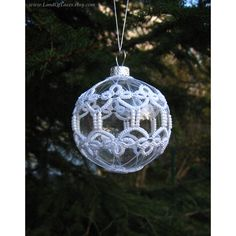 Clear glass ball with tatted lace Christmas tree ornament Winter... (57 PLN) ❤ liked on Polyvore featuring home, home decor and holiday decorations