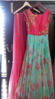 Young and chirpy! Long Dress Design, Dress Neck Designs, Blouse Designs, Long Gown Dress, Lehnga Dress, Long Frock, Kurti Designs Party Wear, Lehenga Designs, Salwar Designs