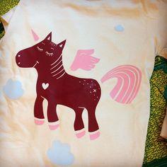 Neues  #bügli in the making 🦄 #onmydesk #Kids #annewenkel #wip #illustration #einhorn #fashionforkids
