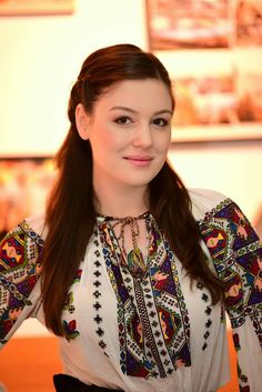 Transylvania Romania, Costumes Around The World, Cool Rooms, Ethnic Fashion, Traditional Dresses, My Style, People, How To Wear, Outfits