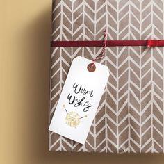 Free printable gift tags from @helloboborik (link in bio)