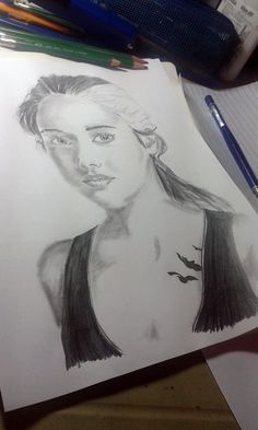 Tris drawing! Divergent Drawings, Divergent Fan Art, Divergent Fandom, Divergent Insurgent Allegiant, Divergent Series, Tris And Four, Avatar Funny, Realistic Drawings, Marvel Funny