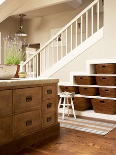 basement stairs Design, Pictures, Remodel, Decor and Ideas. this would also be cool for the dogs to walk up to my bed :-) scaled down Stairway Storage, Stair Shelves, Shelving, Storage Stairs, Book Shelves, Open Shelves, Under Stairs, Design Case, Basement Remodeling